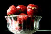 strawberries-1323337-639x426